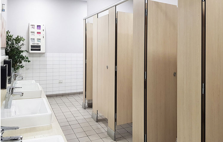 卫生间隔断 12MM二代抗倍特板公共